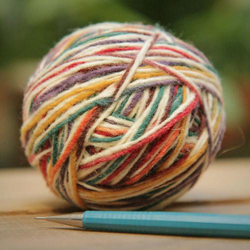 pelota de lana