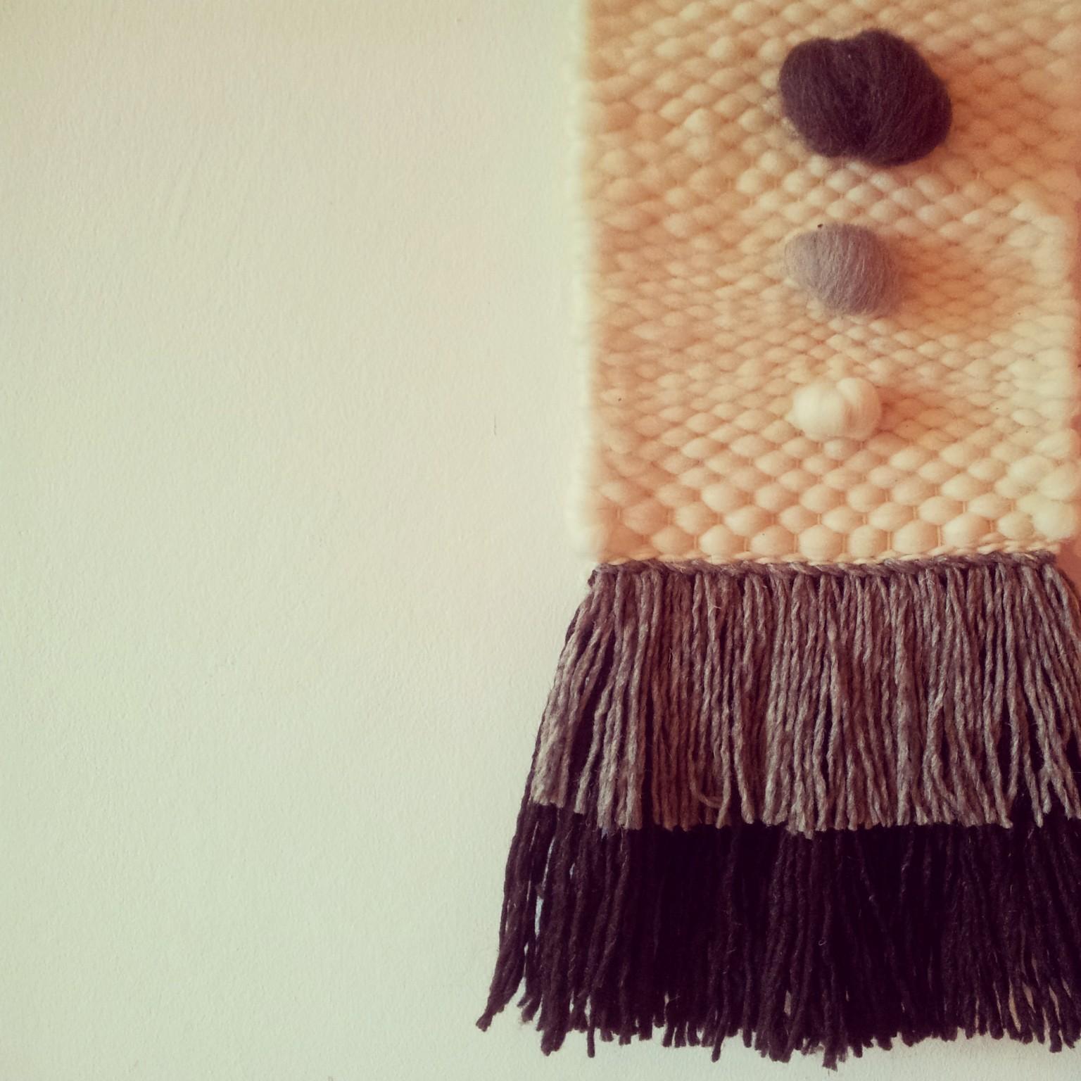 Telar elaborado con lanas cardadas y peinadas de Extremadura