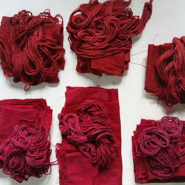 algodon-tenido-con-tintes-naturales_-curso-de-tintes-naturales-en-algodon-de-mundo-lanar-en-the-dyers-house