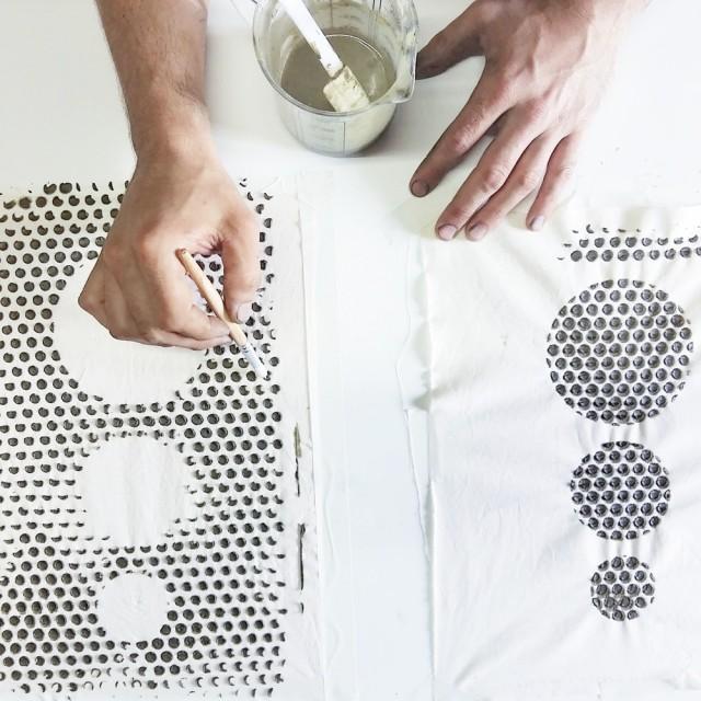 Aplicando Pasta de Bloqueo_Teñido con Índigo_Puntos