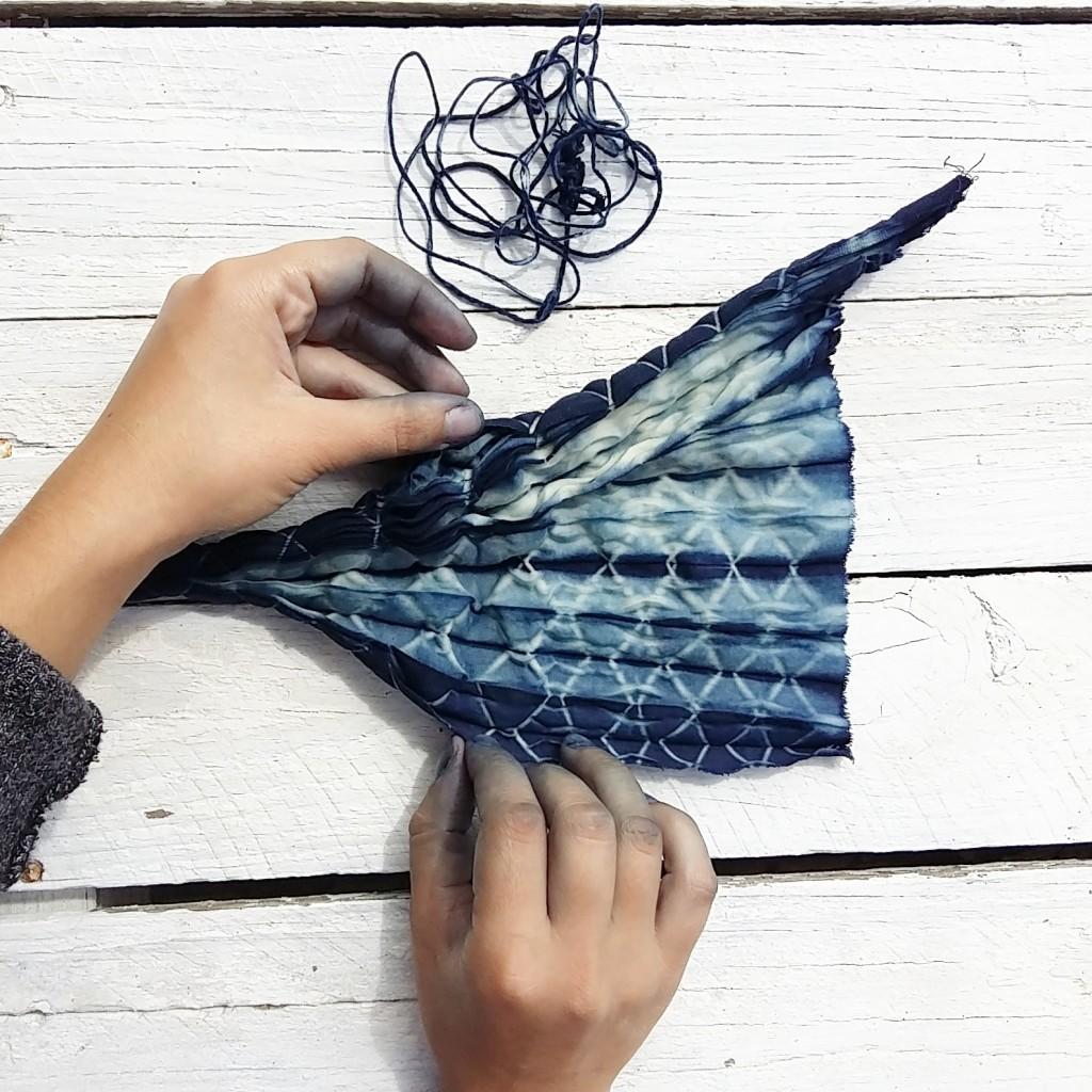 Shibori con Índigo_The dyer's House_Escuela de Fibras & Tintes Naturales