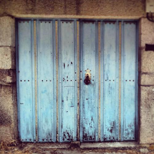Puerta de palloza de Piornedo