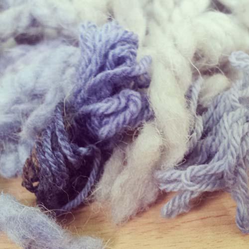 lanas teñidas con remolacha