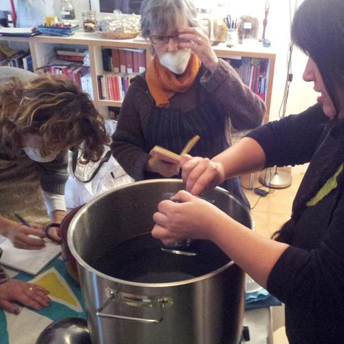 Preparando el baño tintóreo