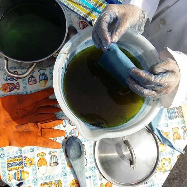 Indigo dyeing