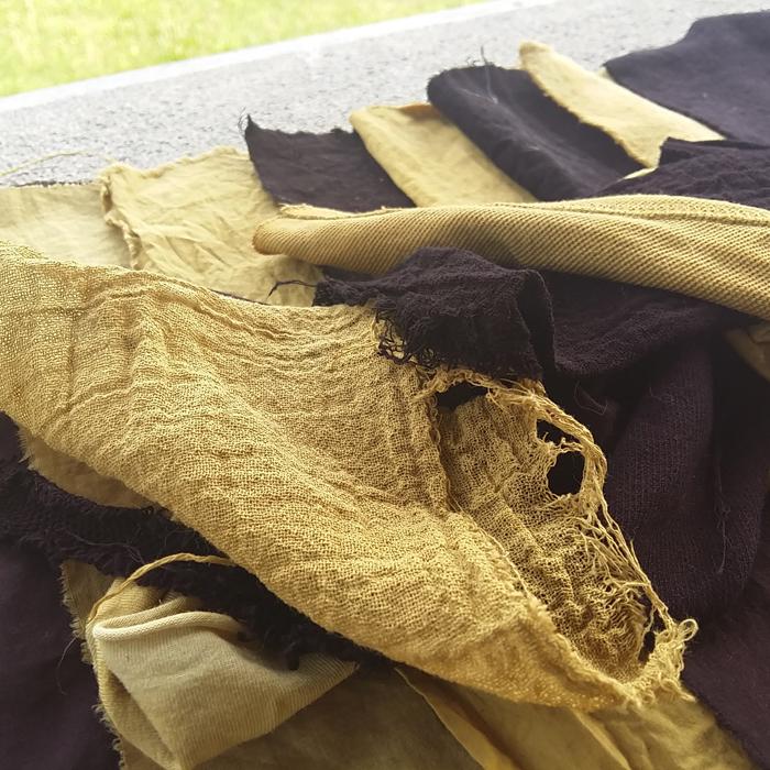 Algodón teñido con tintes naturales y mordientes vegetales_Gualda y Palo campeche