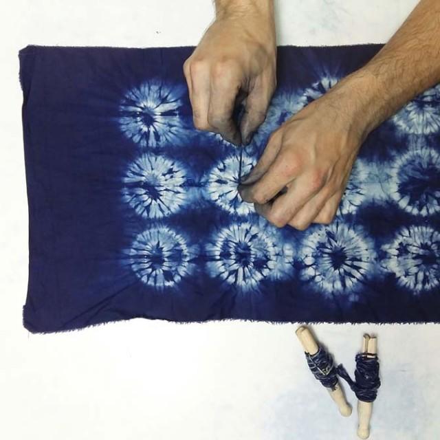 Proyecto Ori Nui de Shibori con Índigo realizado por Julia_The dyer's House_Escuela de Fibras & Tintes Naturales